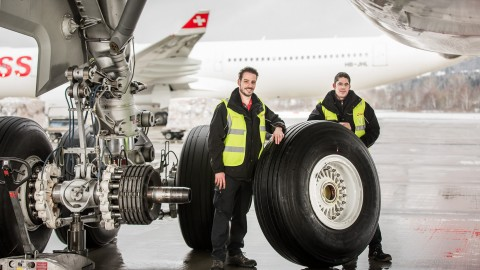 Changing an A330 wheel